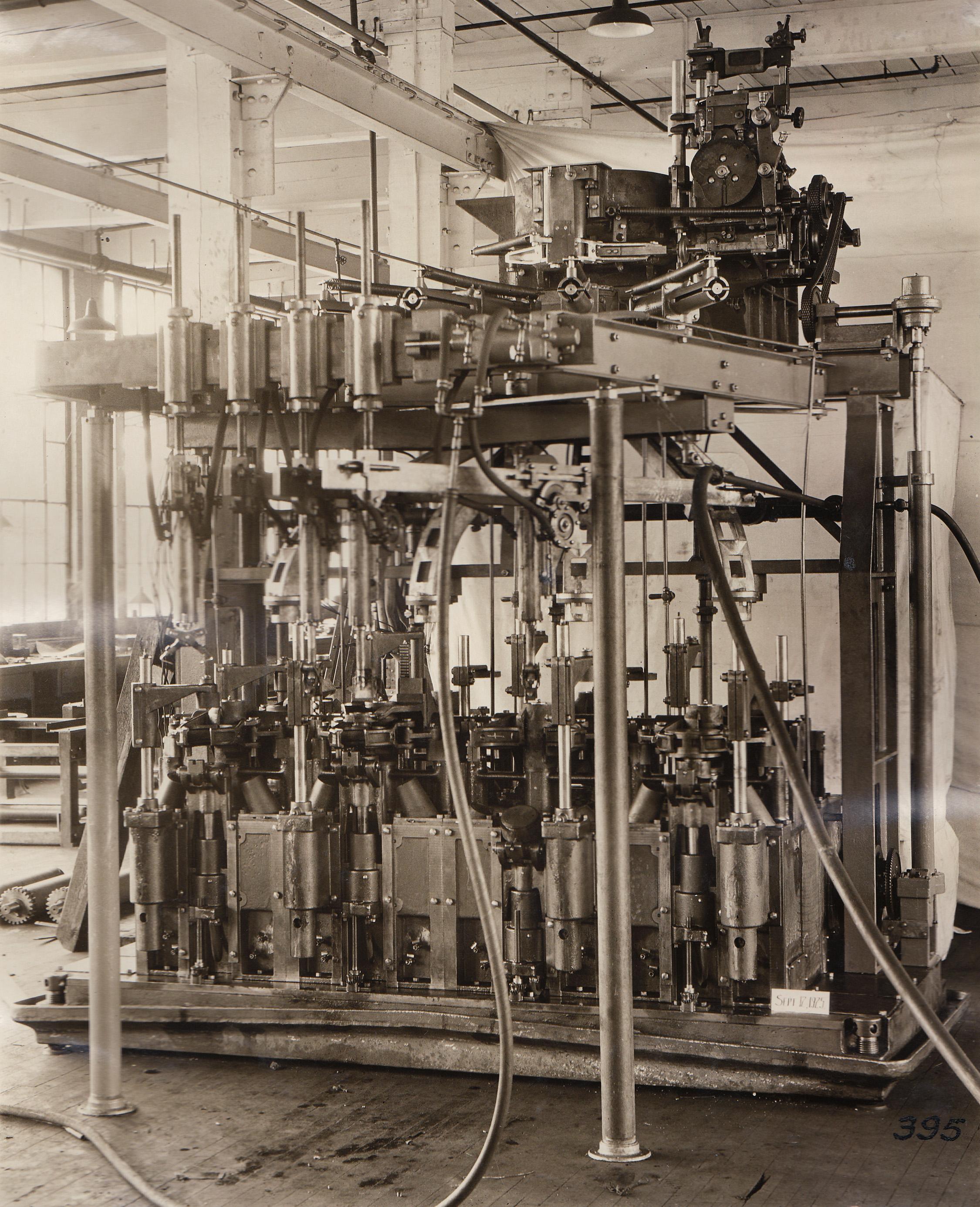 4 Section machine